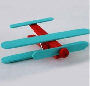 avioneta con palos de helado